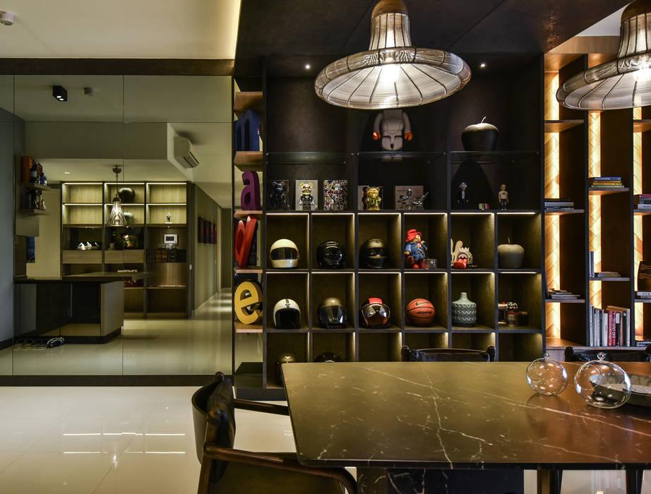 DISPLAY WALL HOO DESIGN RESOURCES Minimalist dining room Copper/Bronze/Brass Wood effect
