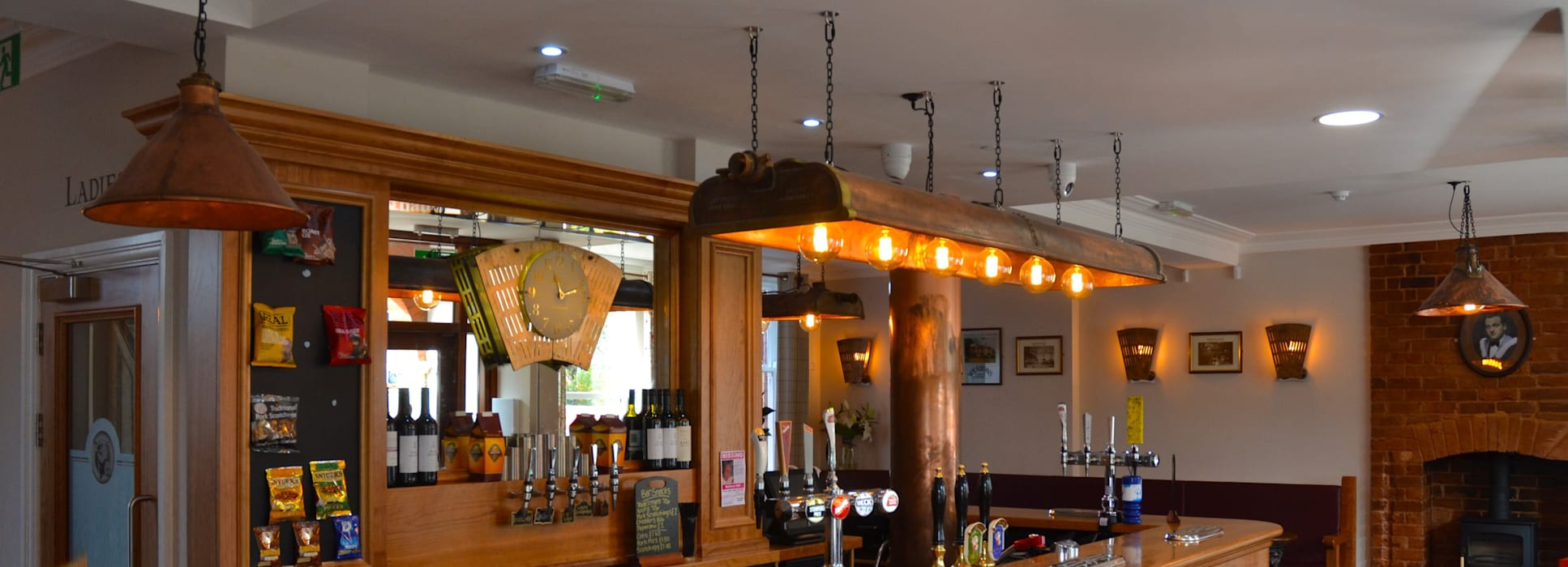 Bar & Klub  oleh it's a light, Eklektik