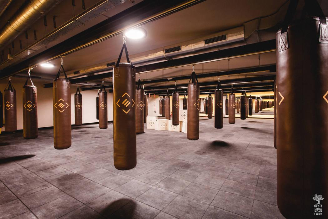 Bars & clubs by MEDITERRANEAN FUSION S.L., Industrial Bricks