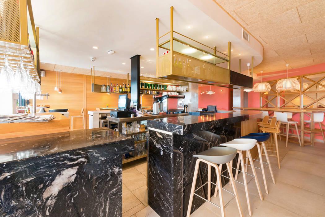 Bar Saborea: Bares y Clubs de estilo  de Piedra Papel Tijera Interiorismo
