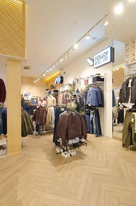 JVZ Cordoba Oficinas y tiendas de estilo clásico de Piedra Papel Tijera Interiorismo Clásico