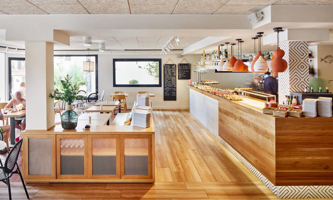 Calau Gastronomía de estilo moderno de Piedra Papel Tijera Interiorismo Moderno