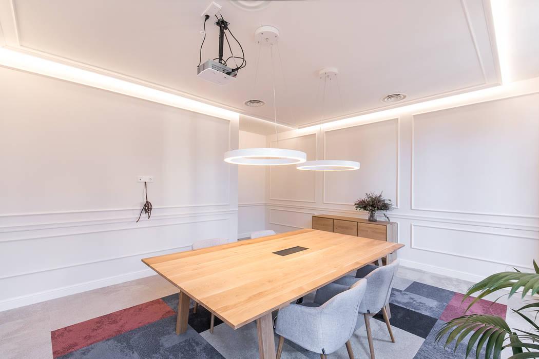Korn Ferry Oficinas y tiendas de estilo moderno de Piedra Papel Tijera Interiorismo Moderno