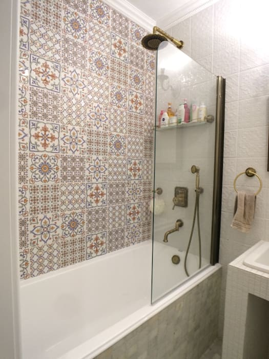 Bathroom by Лана Веригина , Classic