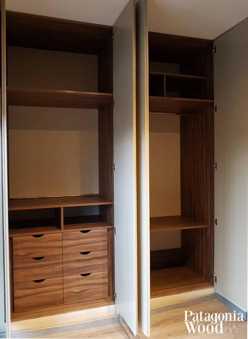 PLACARD 8 CAJONES- EN NORDELTA de Patagonia wood Moderno Derivados de madera Transparente