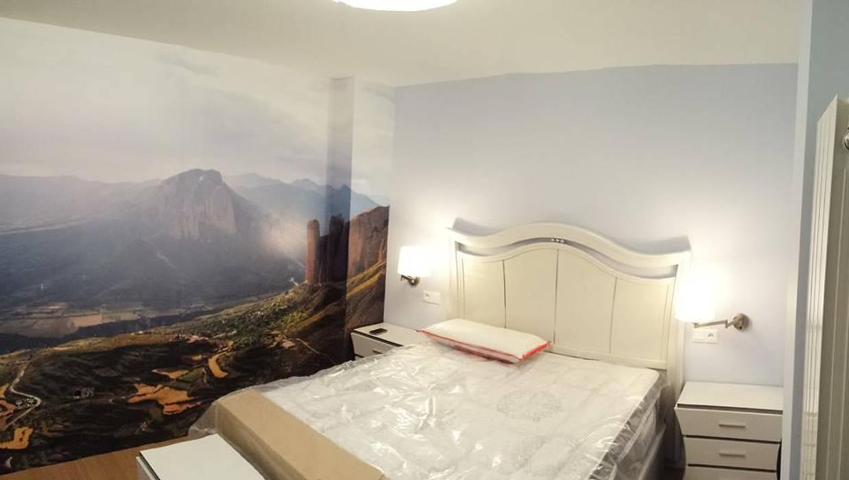 Imagen final de la habitación:  de estilo  de Clarion - acotrazio d'interiors S.L.U, Moderno