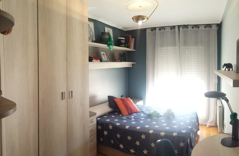 Cama para habitación juvenil de Clarion - acotrazio d'interiors S.L.U Moderno Aluminio/Cinc