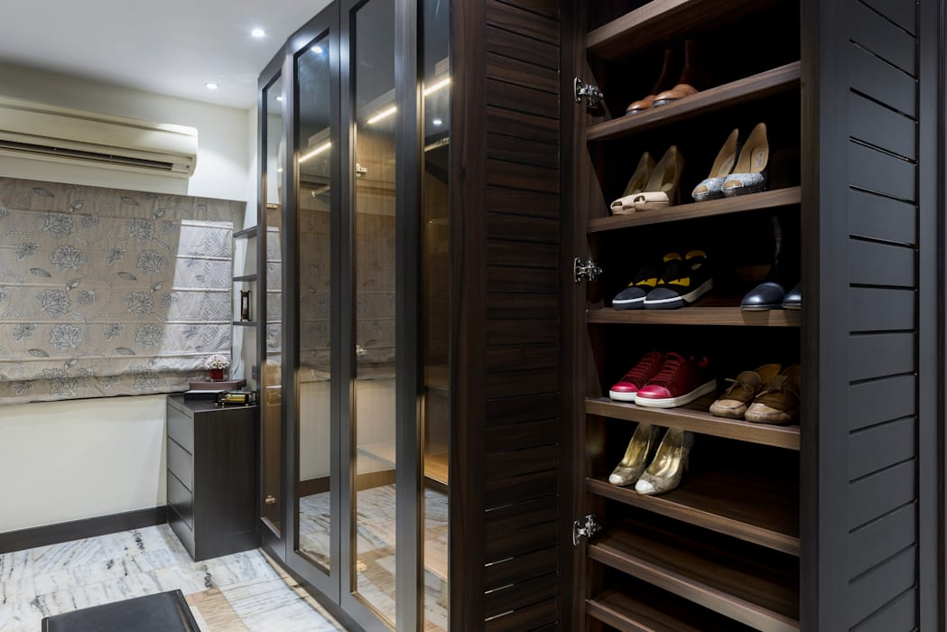 WALK IN WARDROBE Modern dressing room by VCJ DESIGNS Modern