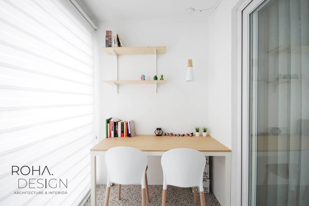 부산 신혼집 인테리어 - 24평 아파트 인테리어 스칸디나비아 발코니, 베란다 & 테라스 by 로하디자인 북유럽