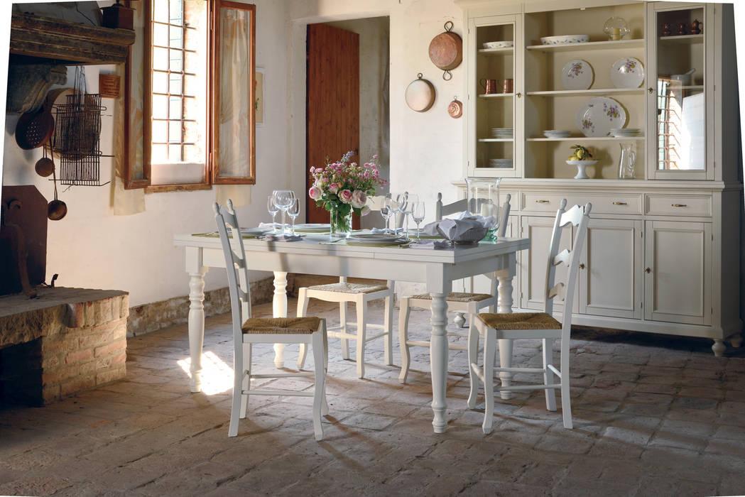 Tavolo bianco in stile shabby chic: Sala da pranzo in stile  di Idea Stile,