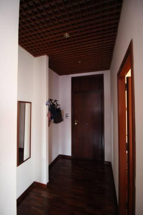 Modern Corridor, Hallway and Staircase by Giuseppe Rappa & Angelo M. Castiglione Modern