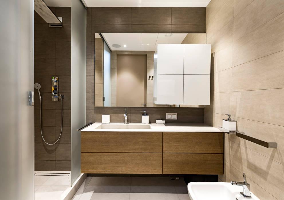 Квартира в ЖК Кристалл: Ванные комнаты в . Автор – os.architects, Минимализм