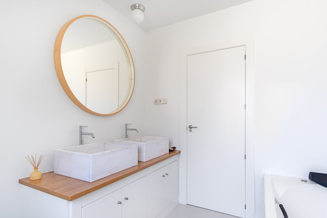 Cuarto del baño de los niños: Baños de estilo  de Arquigestiona Reformas S.L.,