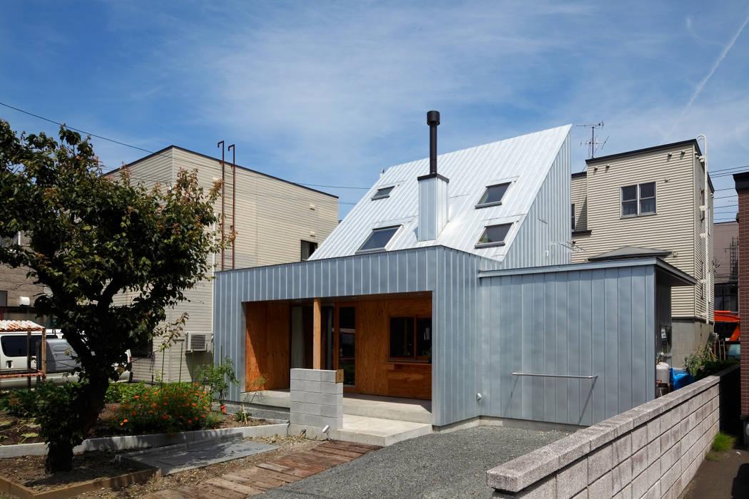Casas unifamiliares de estilo  por エム・アンド・オー, Escandinavo