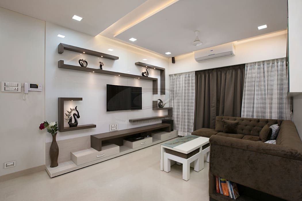 MR.LALIT SHARMA'S RESIDENCE IN KHARGHAR Minimalist living room by DELECON DESIGN COMPANY Minimalist Wood Wood effect