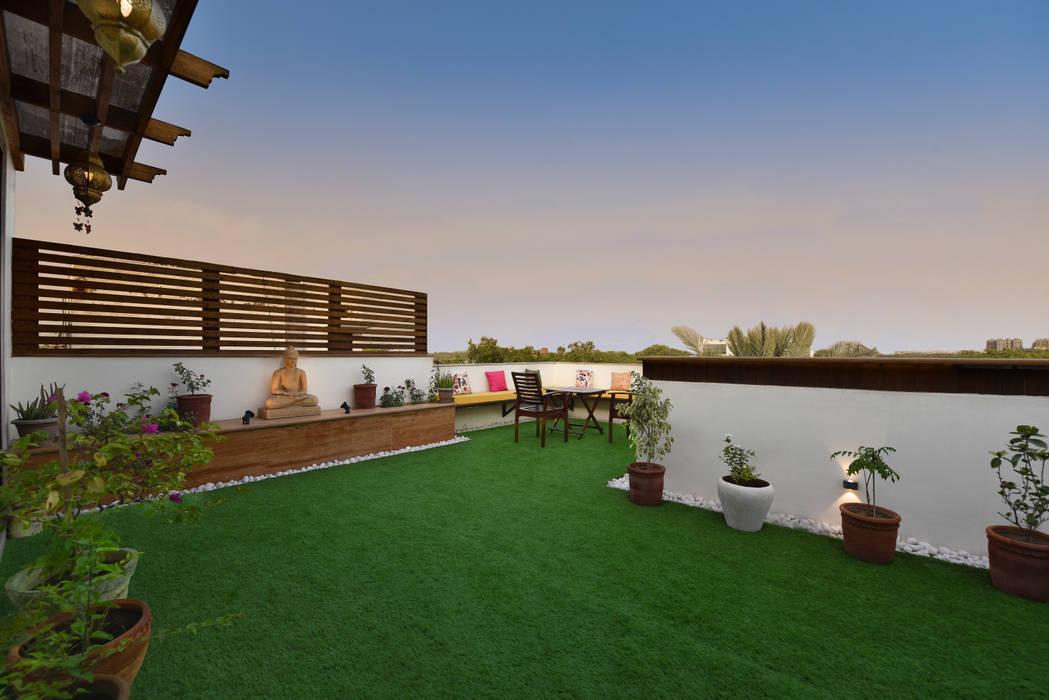 Landscaped Terrace Garden Modern balcony, veranda & terrace by Desigent Design Studio Modern