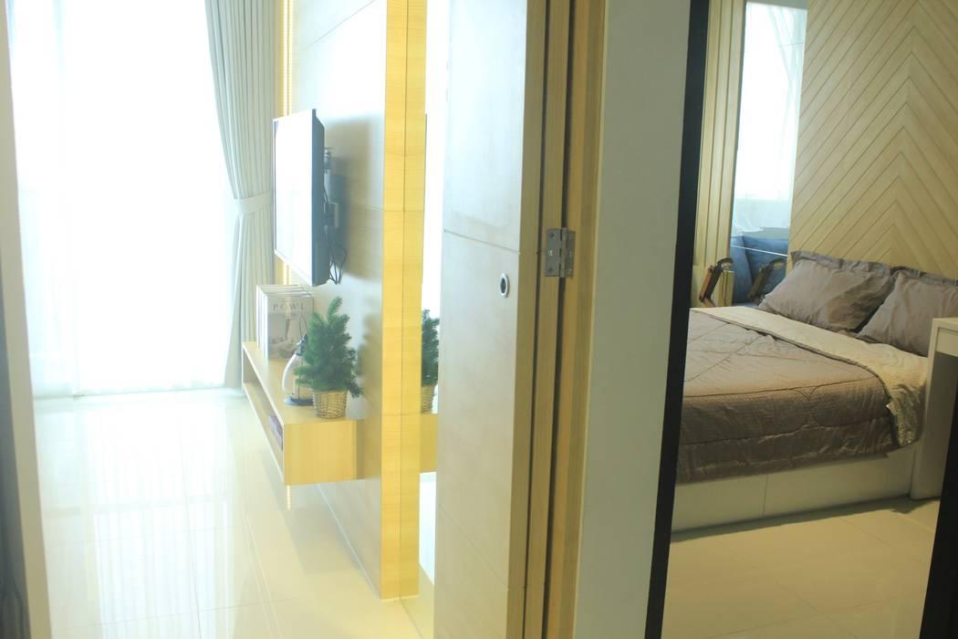 Lexington apartment: Koridor dan lorong oleh POWL Studio,