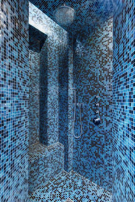 Une douche à l\'italienne en mosaïque bisazza. salle de bain ...