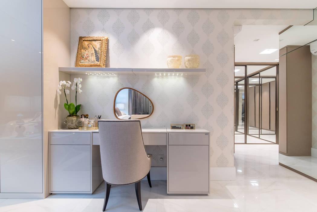 Ruang Ganti Modern Oleh Carolina Fagundes - Arquitetura e Interiores Modern