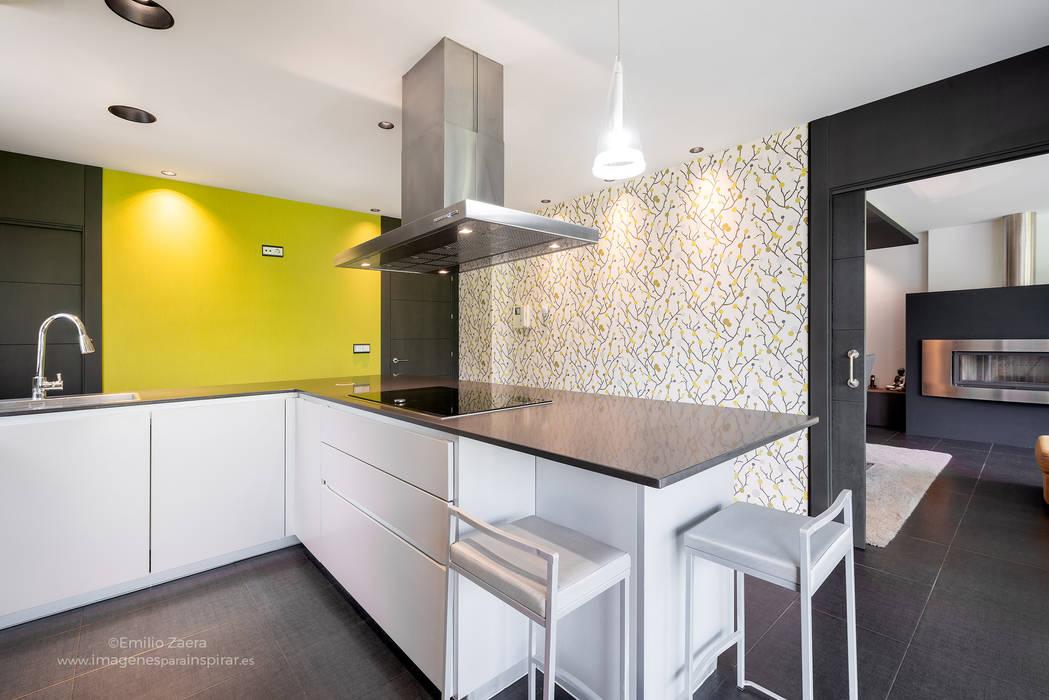 Kitchen units by arQmonia estudio, Arquitectos de interior, Asturias, Modern
