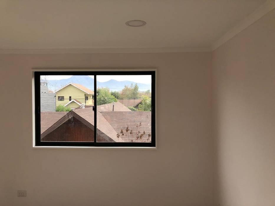 Proyecto de adecuación de terraza y salón de Yoga. Paredes y pisos modernos de Constructora Crowdproject Moderno