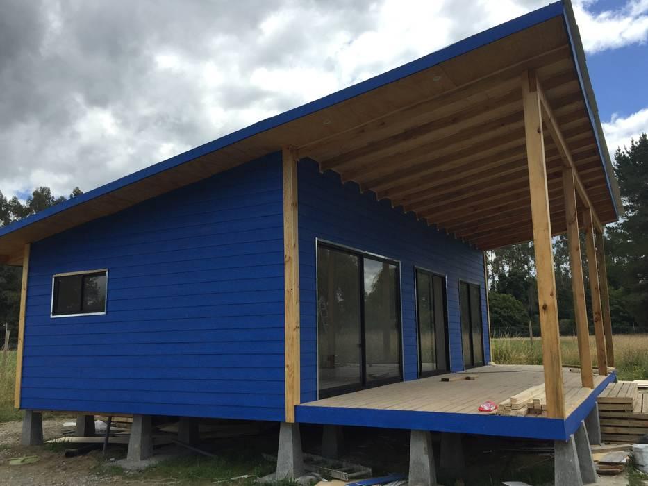 Cabaña Rio Calle Calle, Antilhue: Casas de estilo  por Constructora Crowdproject,