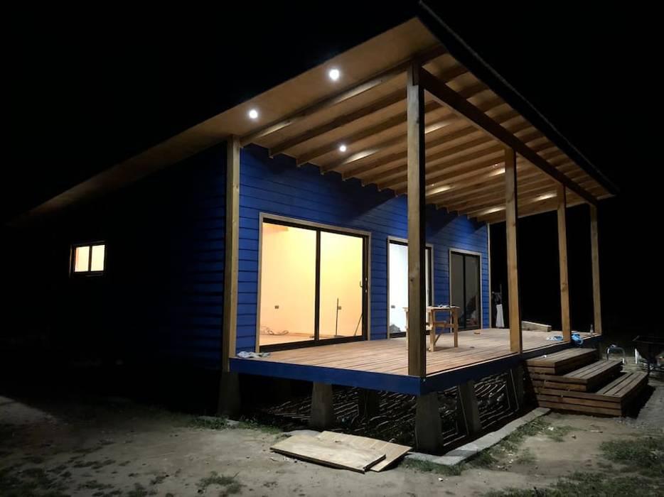 Cabaña Rio Calle Calle, Antilhue: Casas de estilo  por Constructora Crowdproject, Moderno