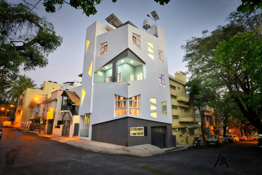 Villa oleh Archemist Architects, Eklektik