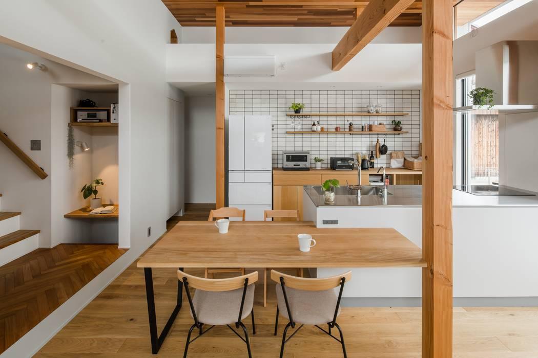 kamikasa house: ALTS DESIGN OFFICEが手掛けたキッチン収納です。,モダン