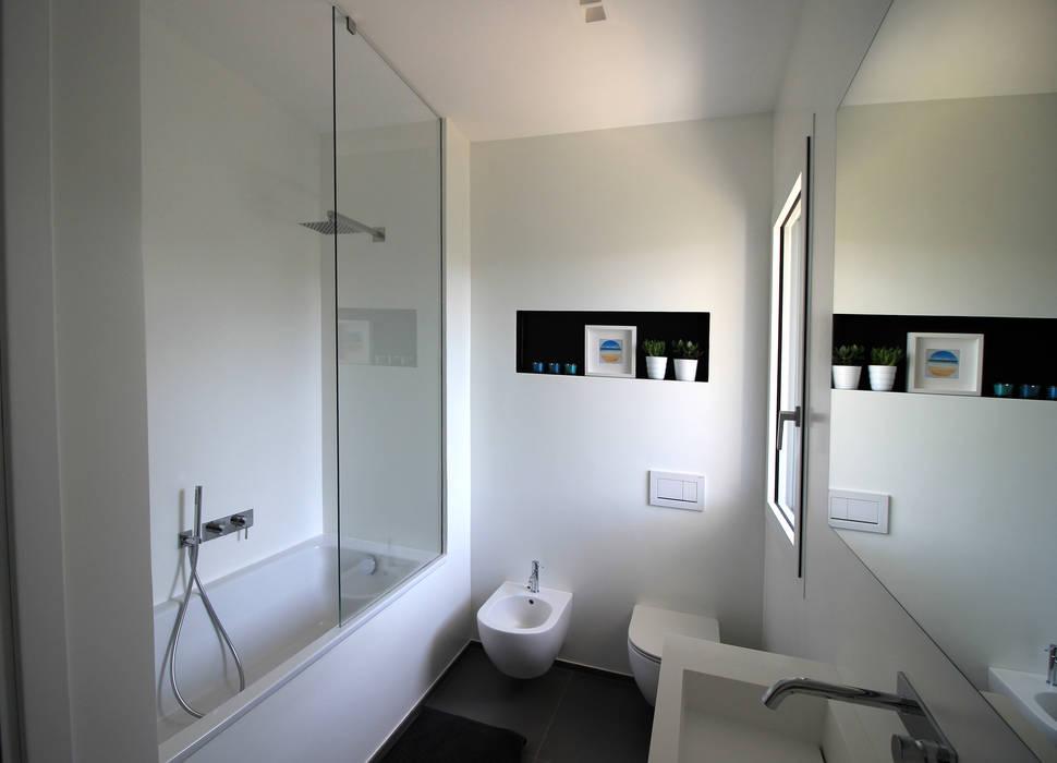 Bathroom by ALFONSI ARCHITETTURA,