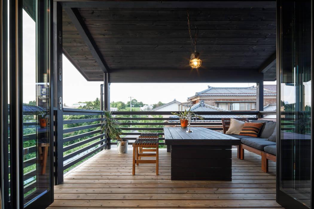 Balcón de estilo  por dwarf, Industrial
