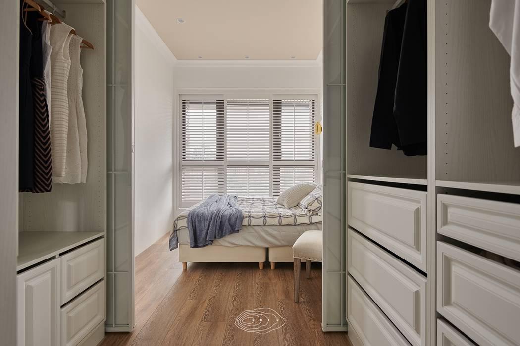 Modern dressing room by 層層室內裝修設計有限公司 Modern