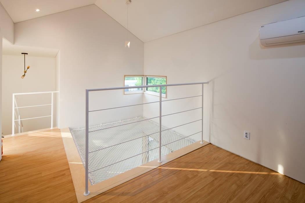 3층 그물침대: 위드하임의  작은 침실,