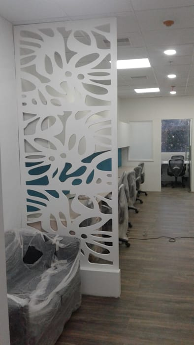Waiting area Grey-Woods Office spaces & stores Engineered Wood Beige