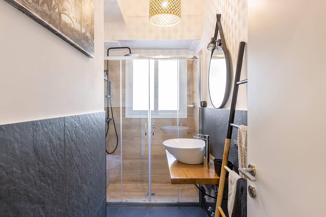 Bathroom by Facile Ristrutturare,