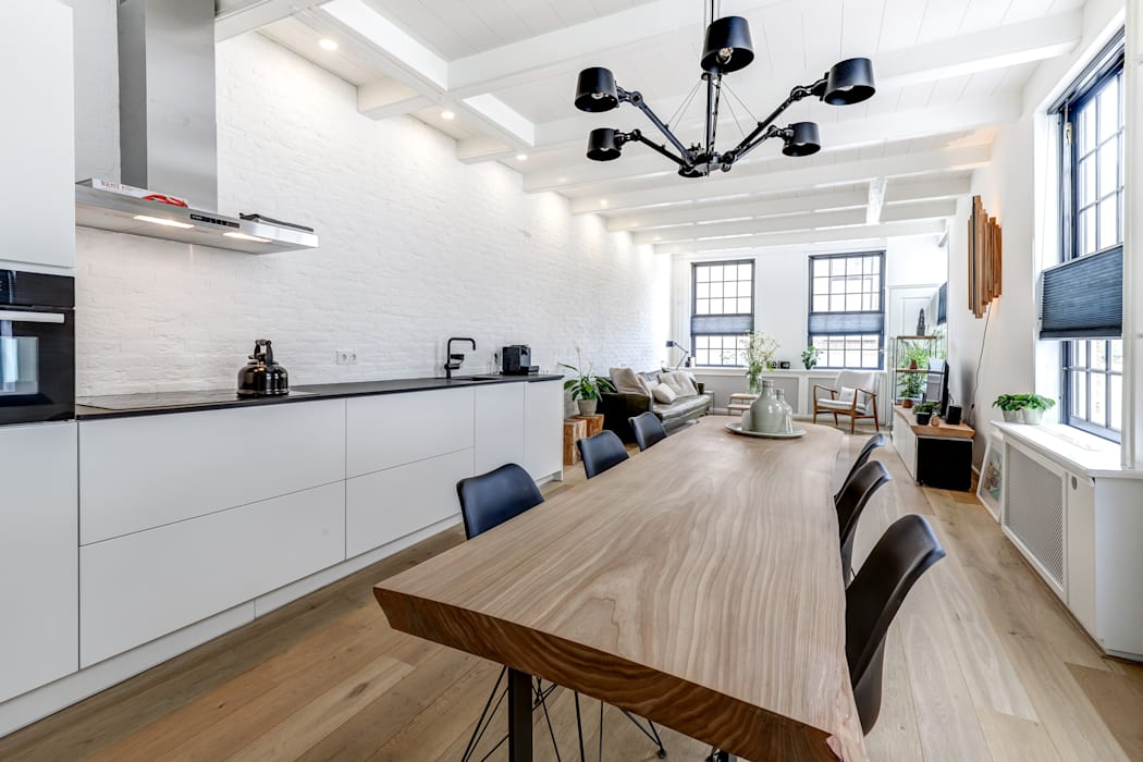 woonkamer Moderne woonkamers van MIRA Interieur & Meubelontwerp Modern