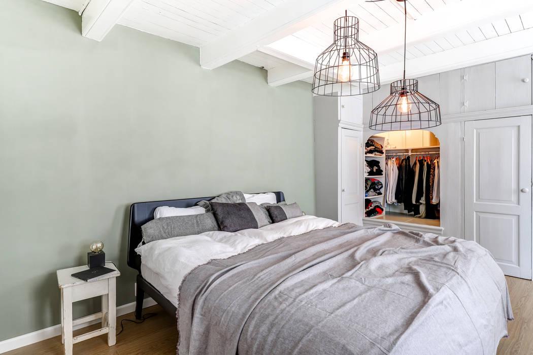 Rijksmonument Utrecht:  Slaapkamer door MIRA Interieur & Meubelontwerp
