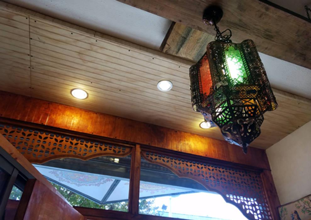 Local Comercial - Tienda Meghna, Viña del Mar. de ESTUDIOMCU Rústico Madera Acabado en madera