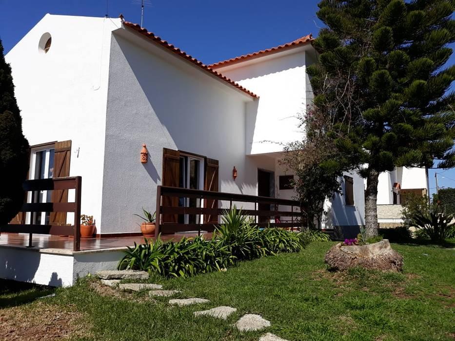 Villa oleh Leonor da Costa Afonso, Eklektik