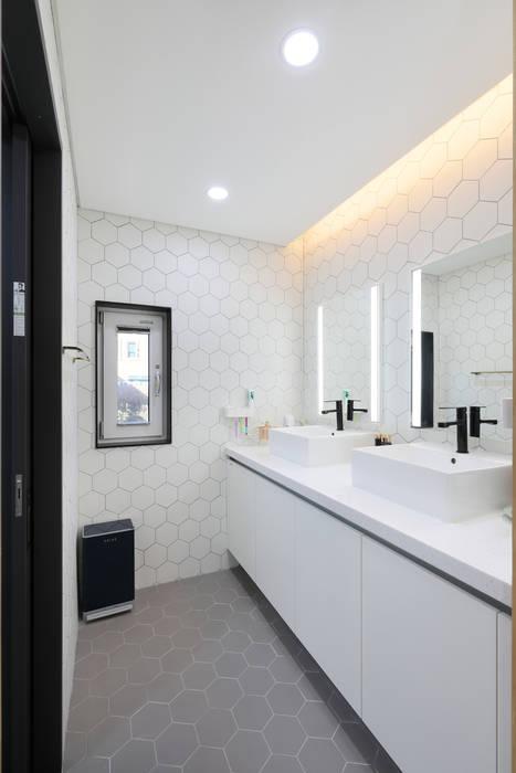 대전 탑립동주택 화장실 모던스타일 욕실 by 주택설계전문 디자인그룹 홈스타일토토 모던 타일