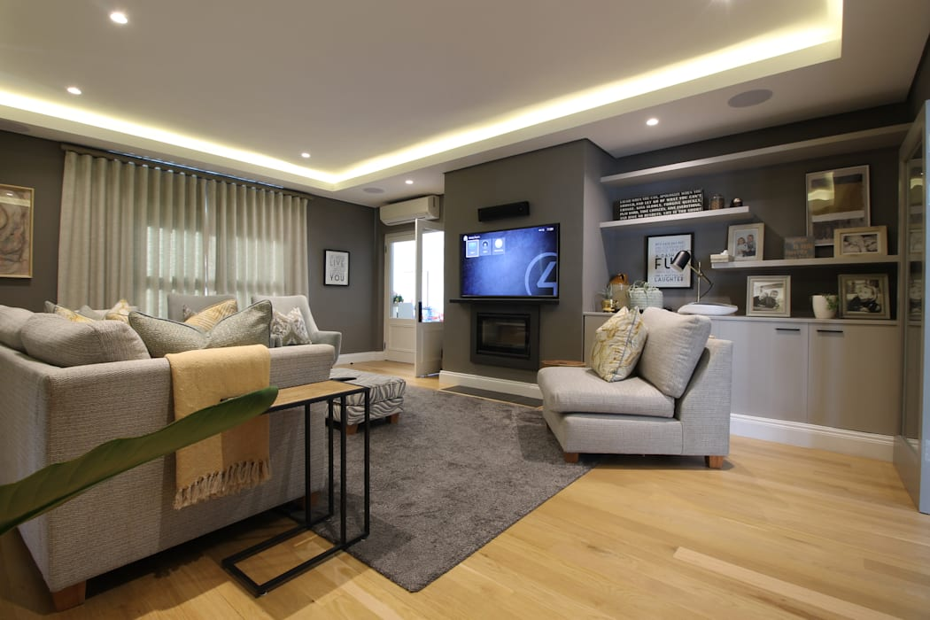 Media Room:  Media room by Audio Visual Projects (PTY) Ltd, Mediterranean