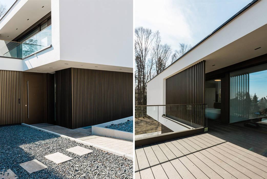 Metallfassade mit gekanteten Lochblechen bzw. Rechteckprofilen als vertikale Stelen von WSM ARCHITEKTEN Modern