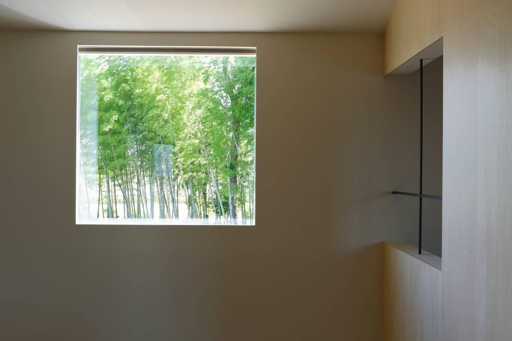 uPVC windows by ユウ建築設計室, Scandinavian