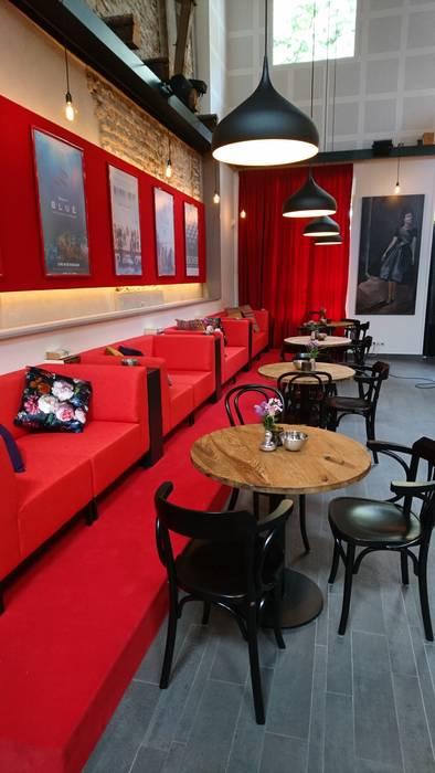 Filmhuis fiZi:  Kantoor- & winkelruimten door SET98, Modern