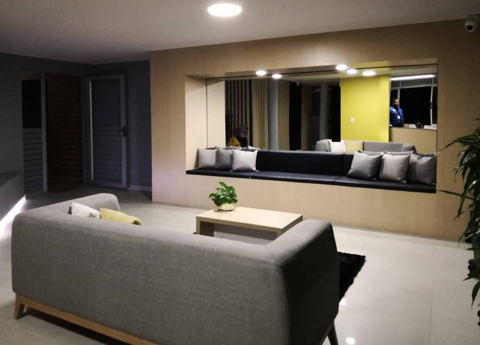 LOBBBY ALTOS DE LA 15 Pasillos, vestíbulos y escaleras de estilo moderno de EMME ARQUITECTURA S.A.S. Moderno