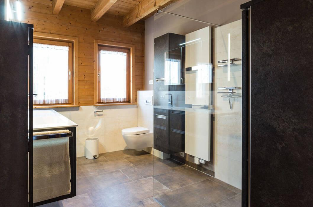 Modern trifft rustikal rustikale badezimmer von bagno ...
