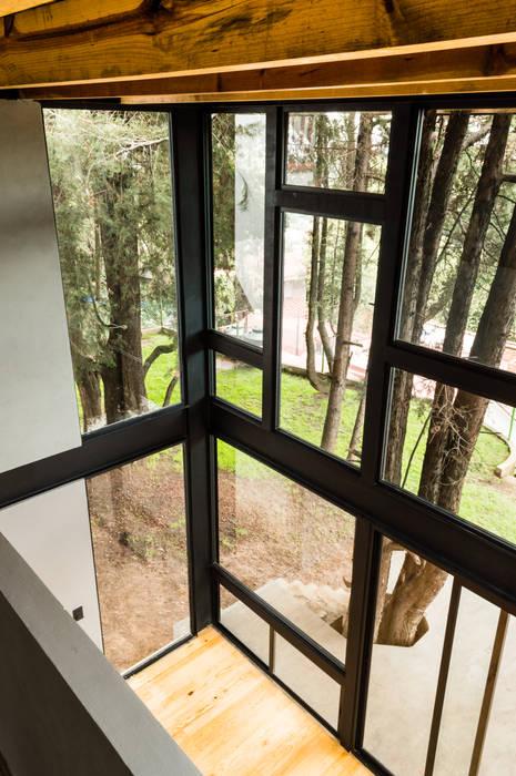 Vista desde recámara: Salas de estilo  por RAMLE Arquitectos, Moderno