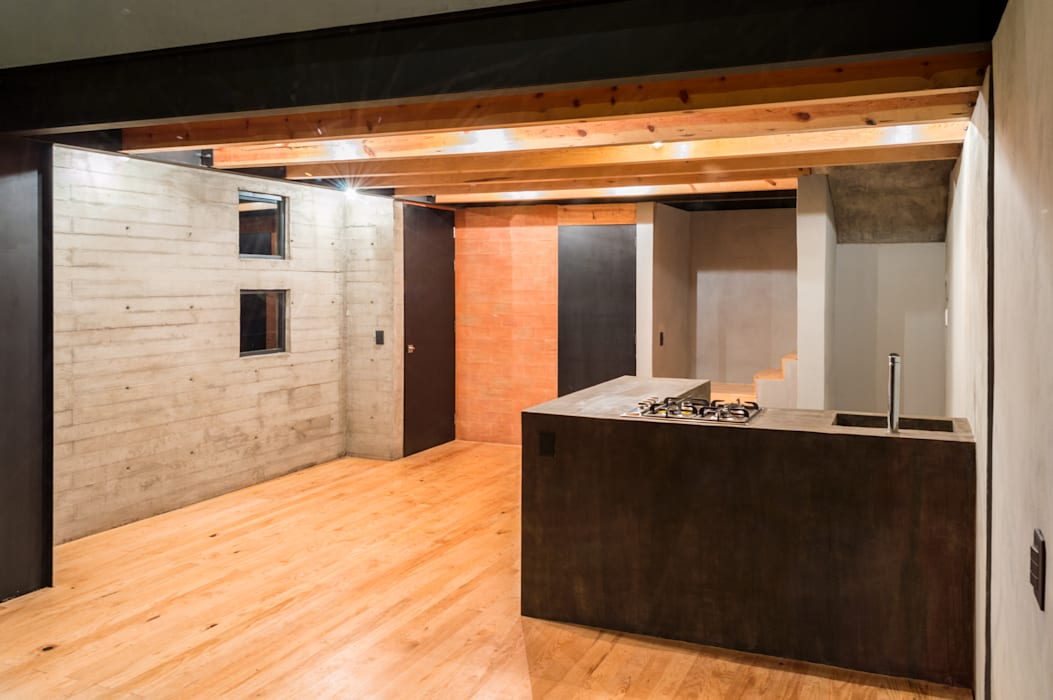 Dining room by RAMLE Arquitectos, Modern