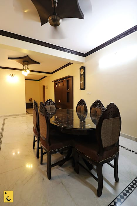 Dining Room:  Dining room by Indoor Concepts,Asian Wood Wood effect