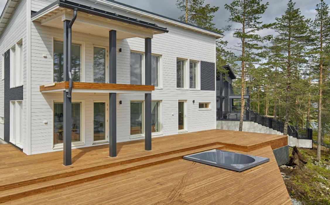 Pavimento da esterno in legno THERMOWOOD - Patio Villa privata (Finlandia) di ONLYWOOD Classico Legno massello Variopinto